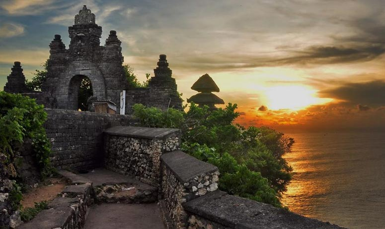 Bali Half Day Tour Uluwatu Temple